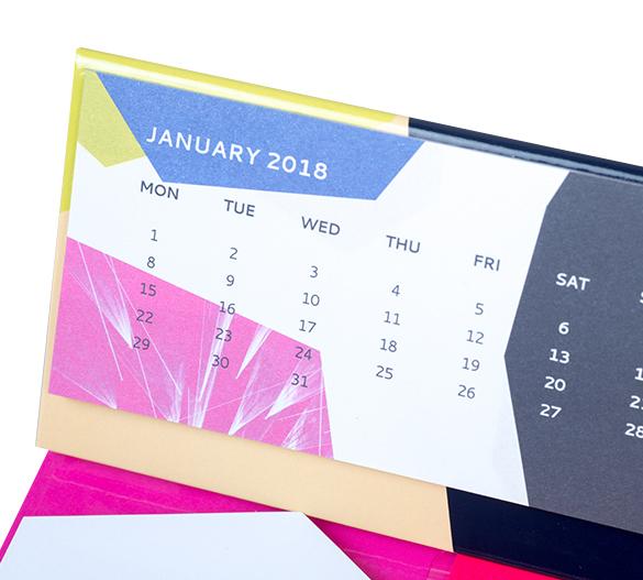PM209b Kalender mit Bookcover-Aufsteller